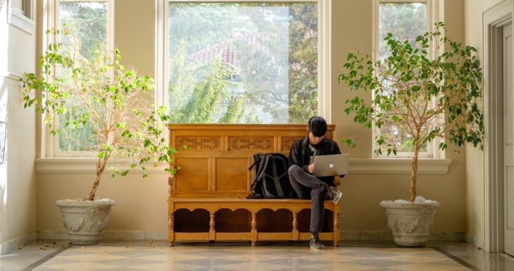 Build a Freelance Writing Profile That Gets Noticed: Tips From a Fellow Freelancer